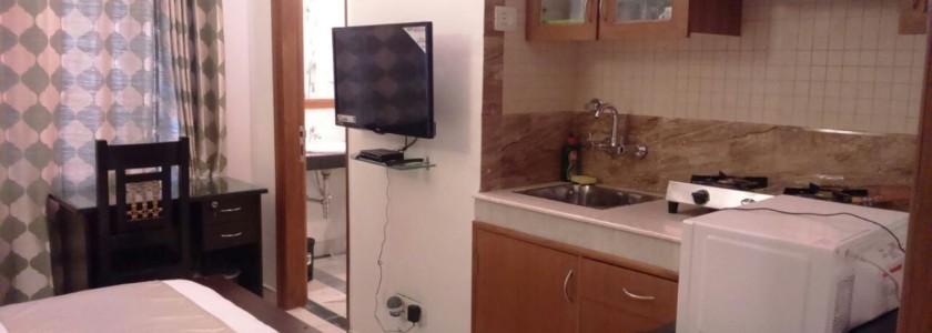 C6 - Studio Apartment