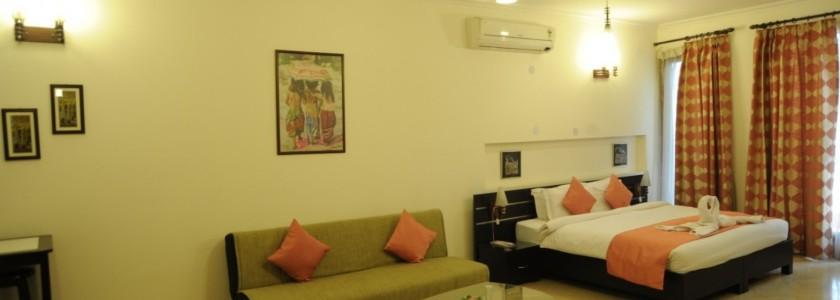 B18 - Extra Large Studio Apartment